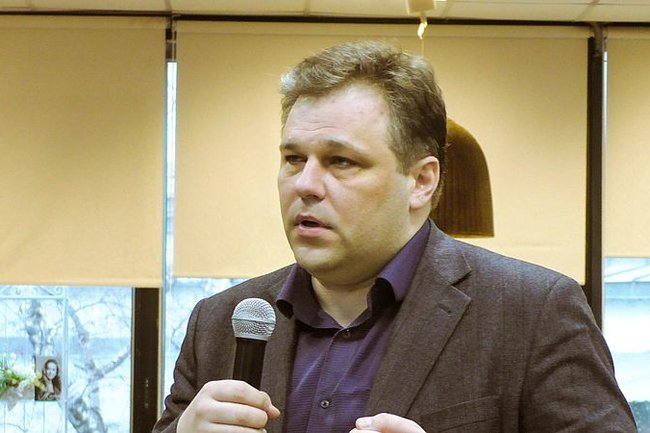 Официальный представитель ЛНР в политической рабочей группе на Минских переговорах Родион Мирошник
