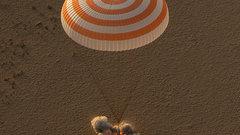 Российский космонавт и два астронавта НАСА вернулись на Землю