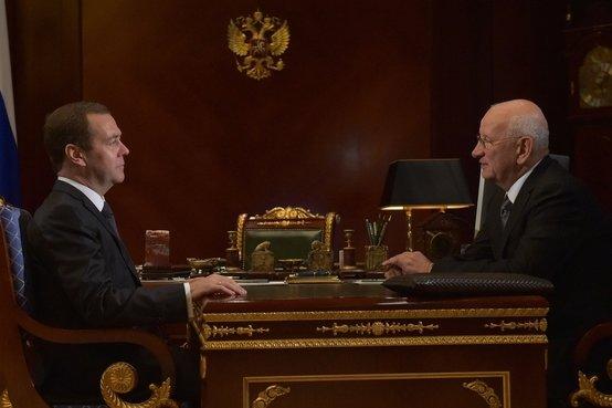 Встреча премьер-министра России Дмитрия Медведева и губернатора Оренбургской области Юрия Берга