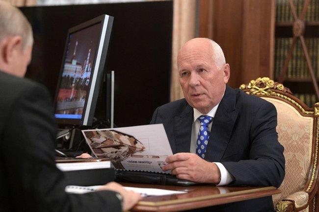 Встреча Владимира Путина с главой госкорпорации «Ростех» Сергеем Чемезовым.