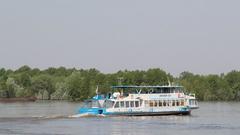 Теплоход начал курсировать от Краснообска до Речного вокзала в Новосибирске