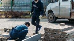 В Тюмени завершается благоустройство придомовой территории на улице Луначарского