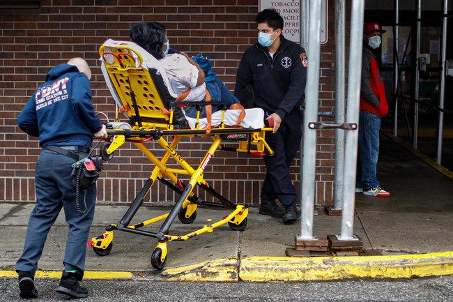 Уже поздно: врач из Нью-Йорка о ситуации с коронавирусом в городе