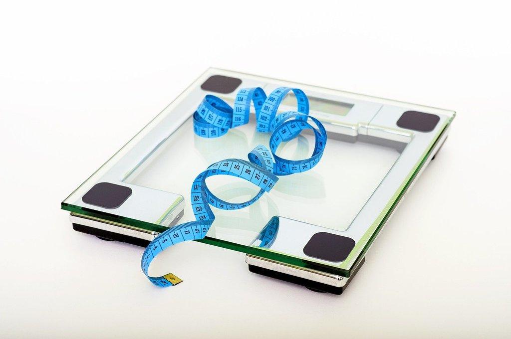 Весы и сантиметровая лента - лучшие друзья худеющих