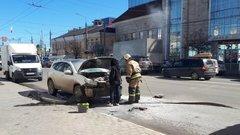 Напротив тульского ТЦ сгорел автомобиль