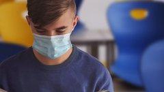 Дети чаще всего заражают коронавирусом своих родителей
