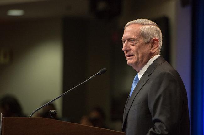 Глава Пентагона обвинил Иран в попытке повлиять на выборы в Ираке