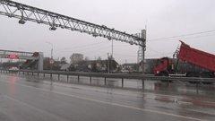 На Тюменской трассе установили уникальные габаритные ворота