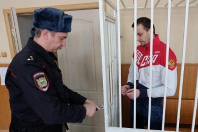 Владимир Рыжук  (справа)