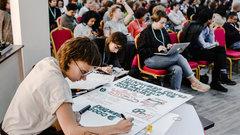 Репортаж из школы революционеров: RT рассказал о радикализации молодежи на западные деньги