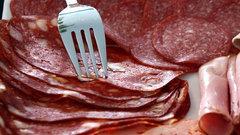 Дорожать дальше некуда: с ростом цен на колбасы и сосиски люди сядут на диету