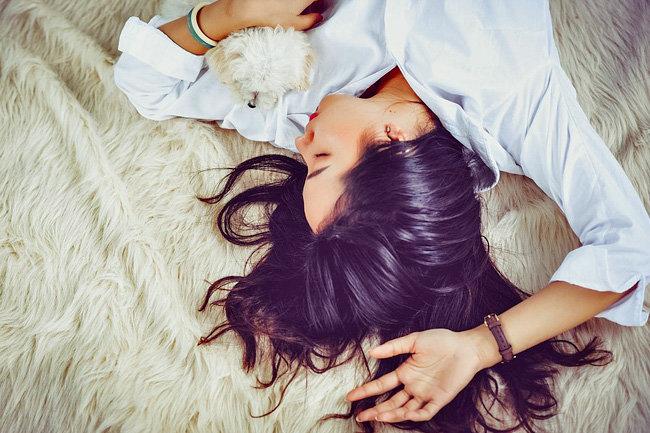 Выпадение волос: основные причины возникновения и полезные советы по предотвращению