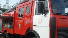Страшный пожар наскладе стканями вМоскве попал навидео