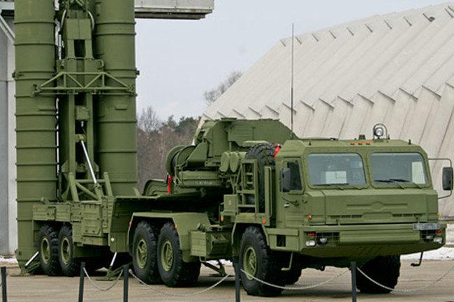 Лавров назвал шантажом позицию США попоставкам русских С-400 Турции