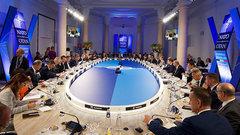НАТО желает втянуть Россию в новую гонку вооружений — военный эксперт