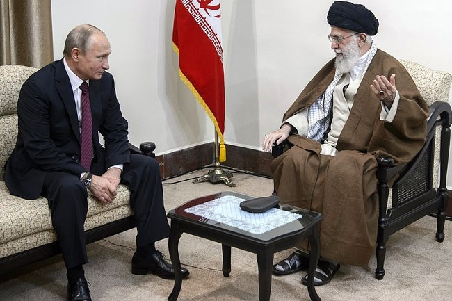Владимир Путин и аятолла Али Хаменеи