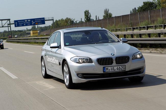 BMW тестирует технологии автономных автомобилей на дорогах