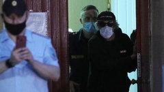 Адвокат Ефремова допустил, что в машине в момент ДТП могло быть 10 человек