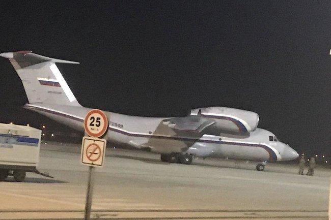 Российский транспортный самолет Ан-72
