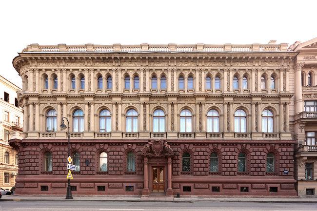 Дворец великого князя Михаила Михайловича на Адмиралтейской набережной.
