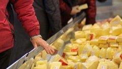 Росконтроль: крупные супермаркеты продают фальсифицированный сыр