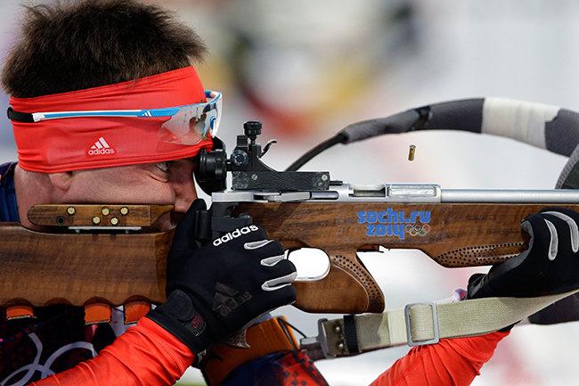 Александр Логинов победил в спринте на ЧР по биатлону