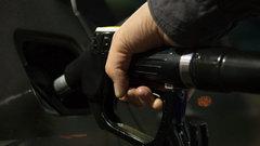 Хазин: в России может начаться бензиновый бунт