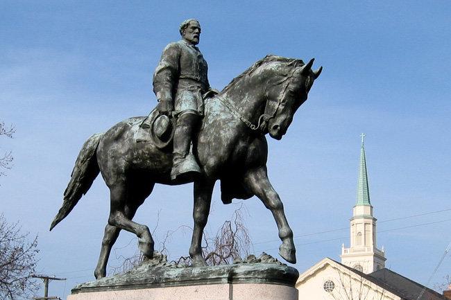 памятник Роберту Эдварду Ли в Шарлоттсвилле