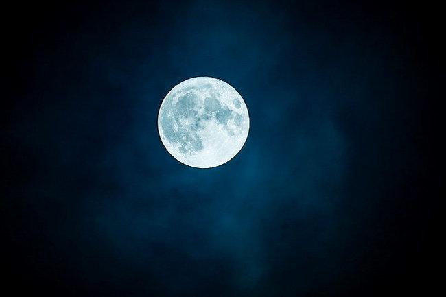 """Луна становится """"Яблоком раздора"""" космических держав"""