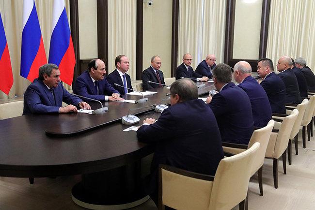 Встреча Владимира Путина  с ушедшими в отставку руководителями регионов Российской Федерации