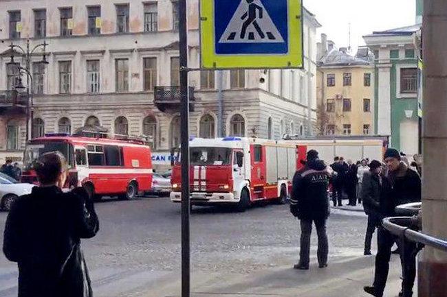 НаАЗС вПетербурге взорвался газ