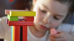 В Самбурге строится новая детская площадка