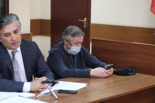 Михаил Ефремов  и адвокат Эльман Пашаев