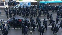 «Власть теряет лицо»: Акунин о реакции российского руководства на протесты