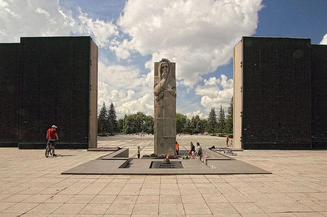монумент славы новосибирск