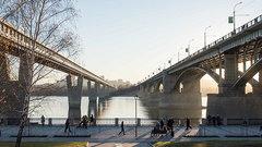 В Новосибирске очистили пешеходную дорожку для незрячих