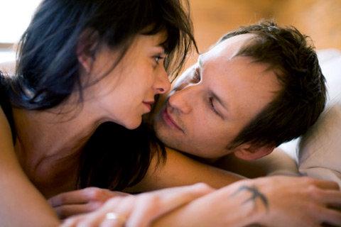 Не хлчу секса с мужем удовлетворяю себя сама в душе