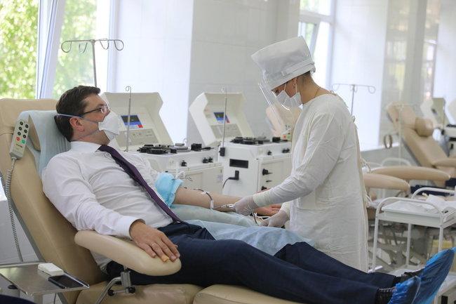 Губернатор Глеб Никитин сдал кровь в рамках Всероссийской акции #МыВместе