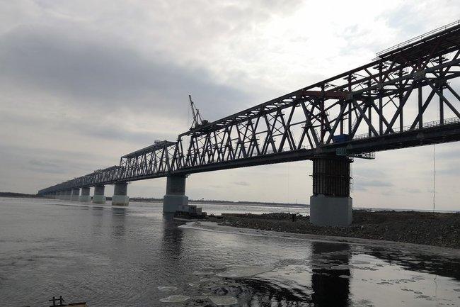 Компания Руслана Байсарова строит мосты из России в Китай