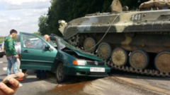 БМП наехала налегковушку вБелоруссии