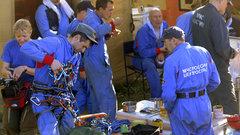 МЧС РФ опровергает информацию об отзыве спасателей с места катастрофы SSJ-100