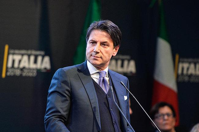 """Лидер «Движения """"5 звезд"""" предложил впремьеры Италии юриста  Джузеппе Конте»"""