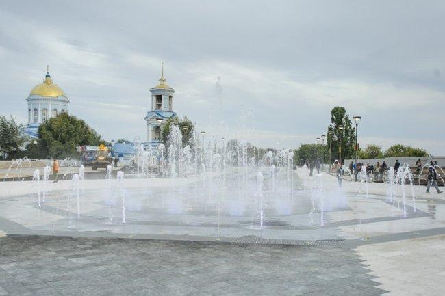 Фонтан на Советской площади в Воронеже