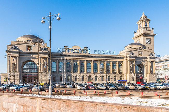 Залы ожидания Киевского вокзала эвакуировали из-за реакции собаки