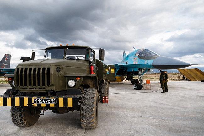 ПВО на русской авиабазе Хмеймим уничтожили неизвестные цели