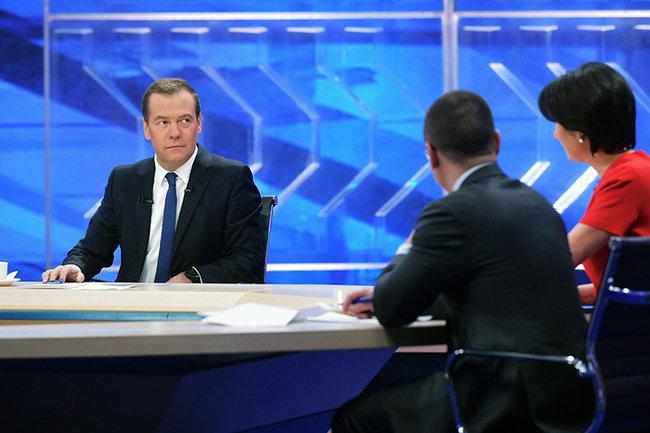 Д. Медведев: кампания против РФ вспорте— политическая