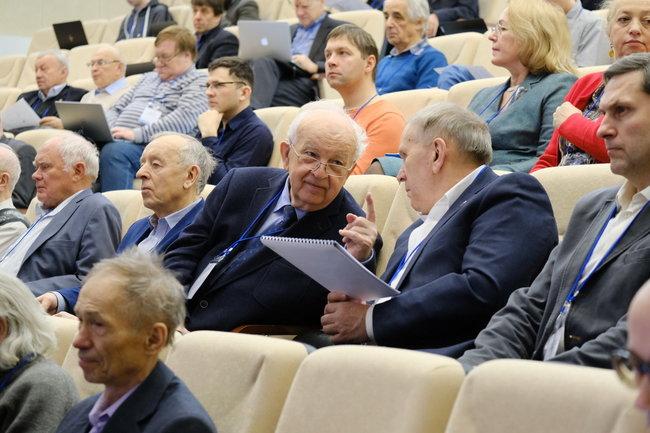 В Новосибирской области обсудили создание установок класса мегасайенс
