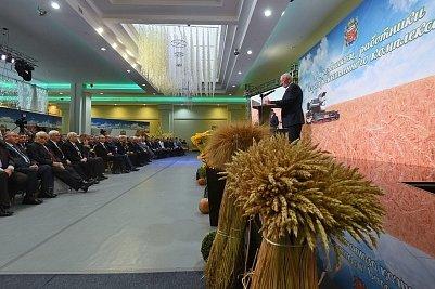 В Оренбуржье наградили лучших аграриев