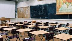 Спасатели приступили к дезинфекции новосибирских школ перед ЕГЭ