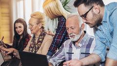Правительство опровергает слухи КПРФ о поднятии пенсионного возраста